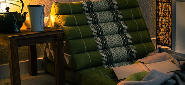 Thaimatte grün Möbel Dachschräge gemütlich