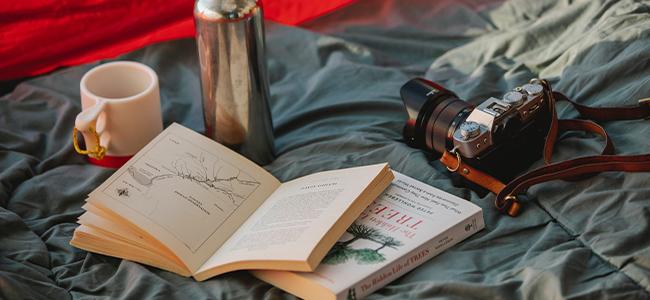 Packlinste Camping Zelt Buch Schlafsack Thermoskanne