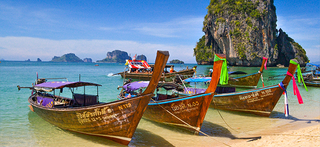 Thailand Urlaub Krabi Karstfelsen Boote